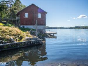 Huis met uitzicht op meer